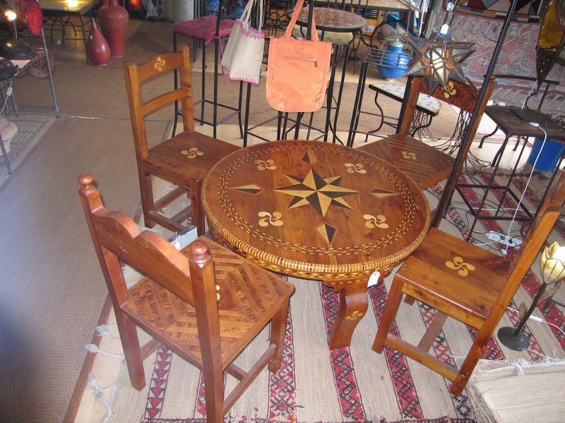 Table basse ronde en bois de thuya et olivier - Mobilier jardin bois saint paul ...