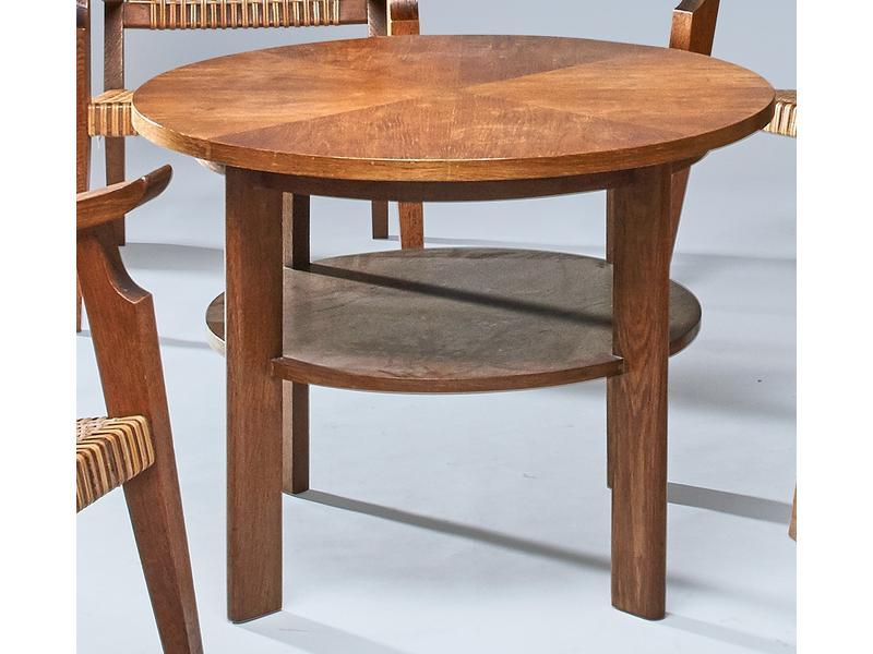table basse ronde en ch ne et placage de ch ne. Black Bedroom Furniture Sets. Home Design Ideas