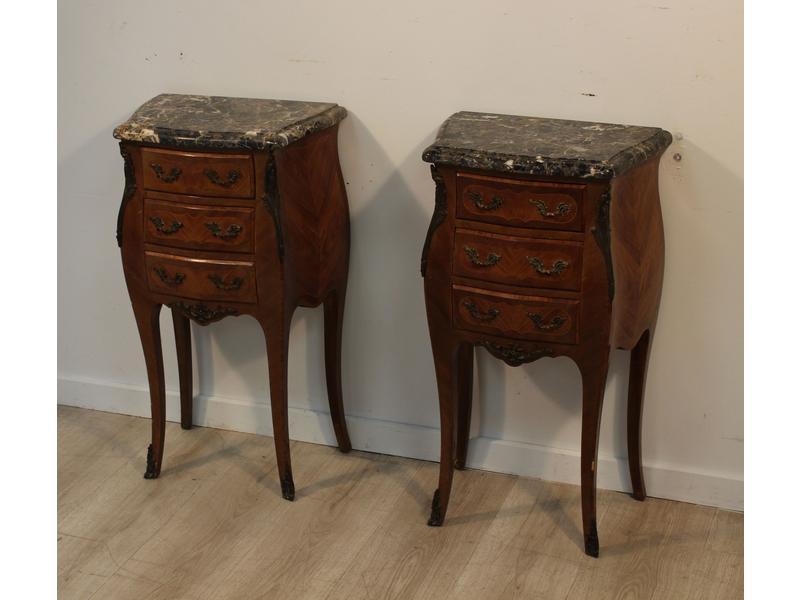 paire de tables de chevets galb es toutes faces. Black Bedroom Furniture Sets. Home Design Ideas