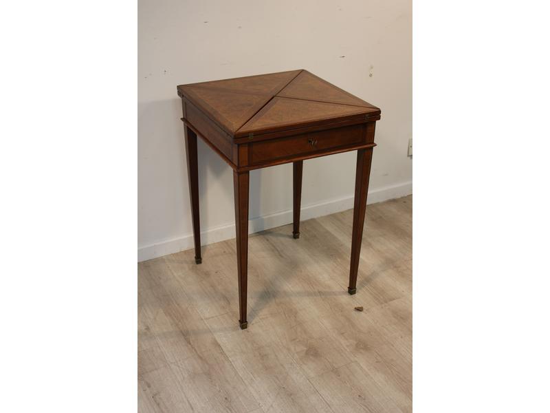 Table mouchoir carr en bois de placage ouvrant - Cote table vente en ligne ...