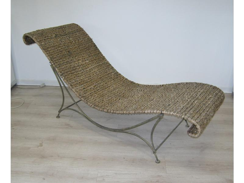 Chaise longue en fer forg en paille tress e for Chaise longue fer forge occasion