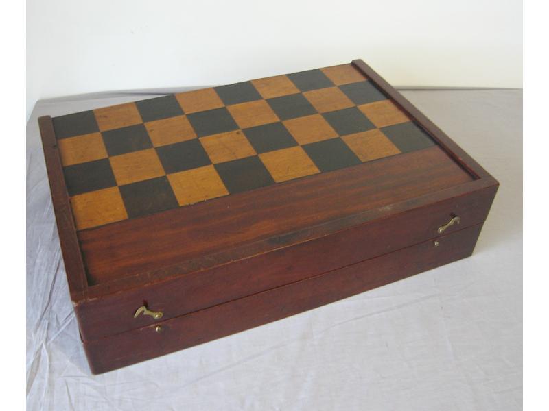 Bo te a jeux de backgammon et de dames en acajou for Boite a jeux