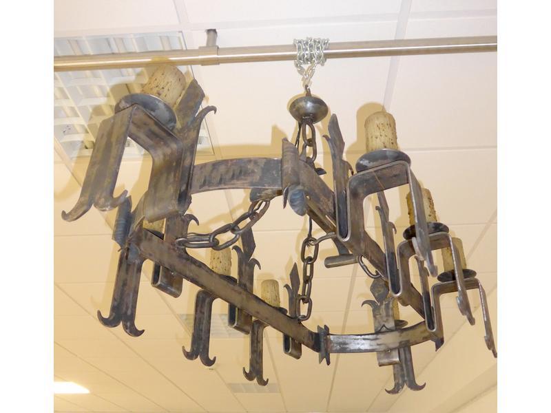Suspension rectangulaire en fer forg six l for Suspension en fer