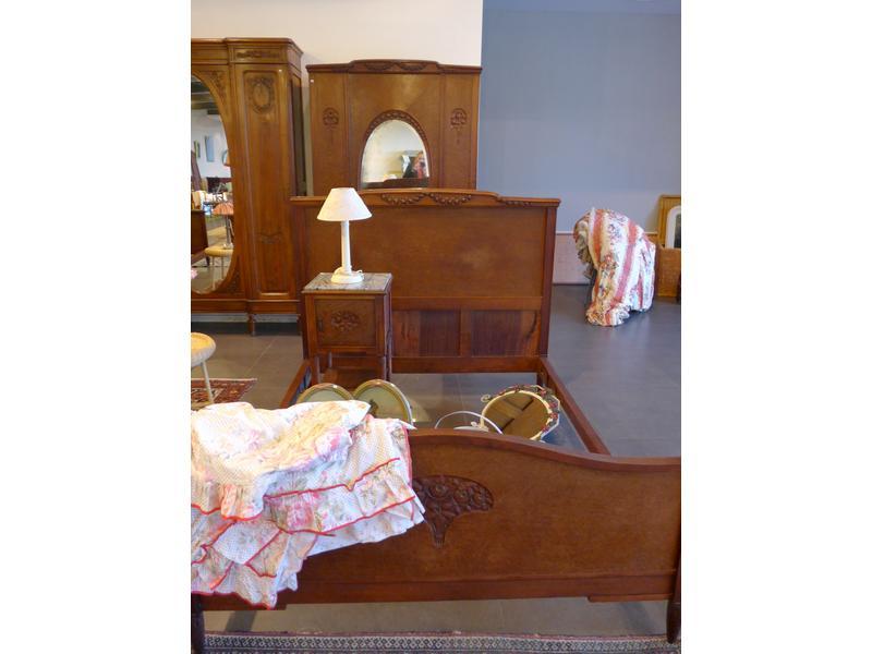 Ensemble de chambre a coucher mobilier en acajou for Chambre a coucher ensemble