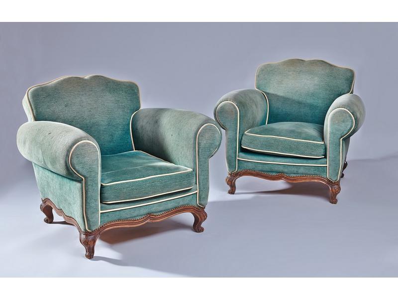paire de larges fauteuils confortables bas dossier. Black Bedroom Furniture Sets. Home Design Ideas