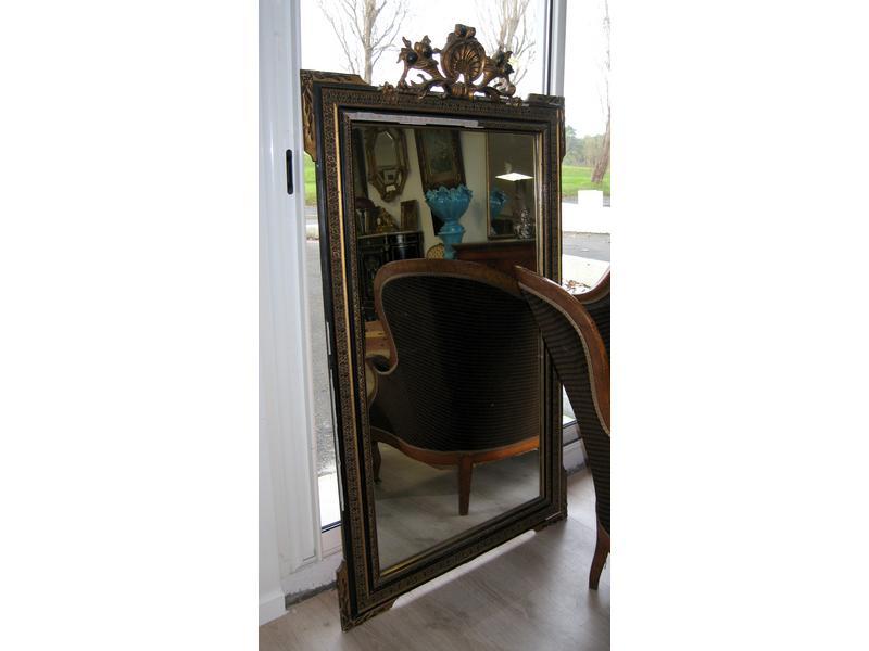 Deux miroirs de cheminee rectangulaires fronton for Miroirs rectangulaires bois
