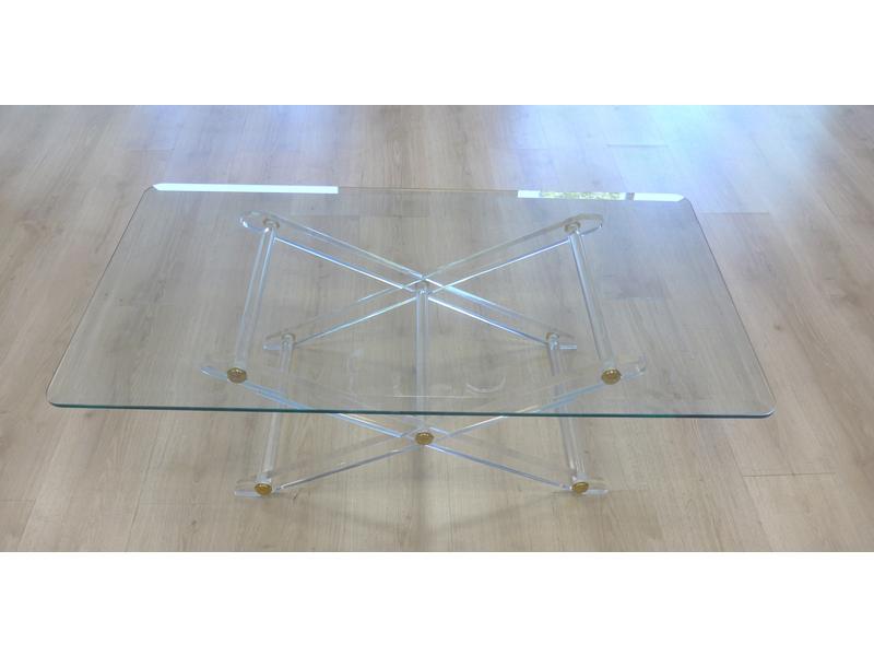 table basse pi tement en croisillon en plexiglas. Black Bedroom Furniture Sets. Home Design Ideas