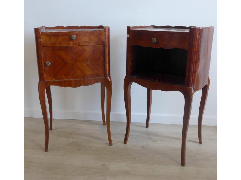 deux tables de chevets formant paire ouvrant. Black Bedroom Furniture Sets. Home Design Ideas