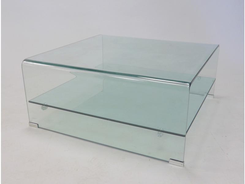 Table basse carr e en pexiglass tablette d 39 entretoise for Table basse tablette