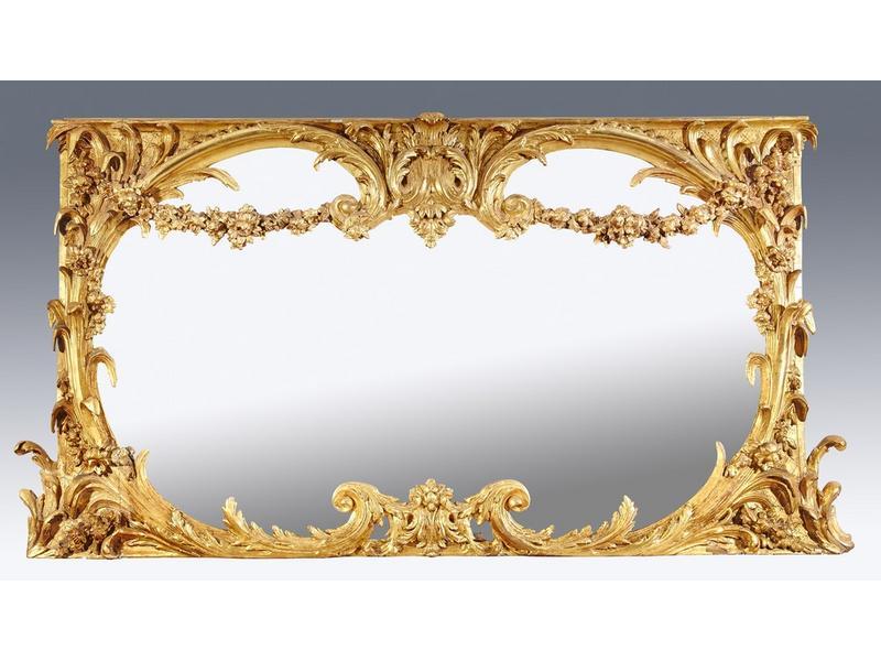 Grand miroir rectangulaire dans un encadrement for Grand miroir encadrement bois