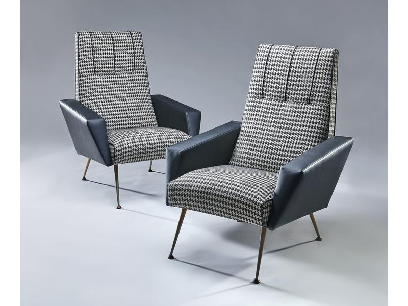 paire de fauteuils confortables dossiers droits. Black Bedroom Furniture Sets. Home Design Ideas